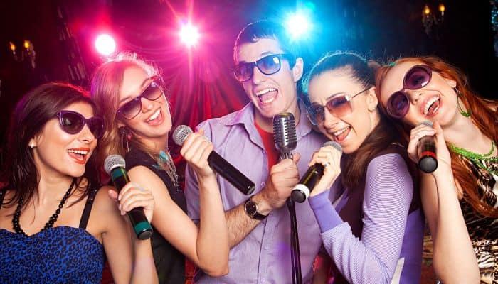 como funciona un karaoke