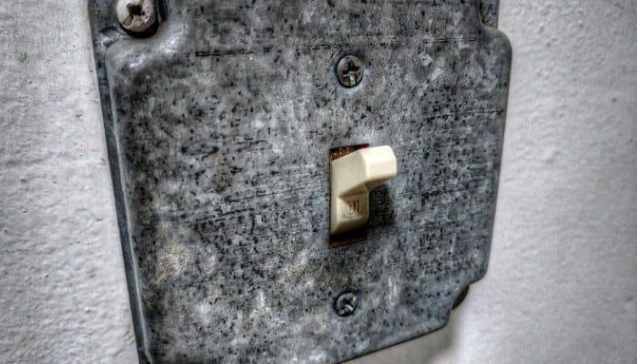 Cómo Funciona Un Interruptor De Electricidad