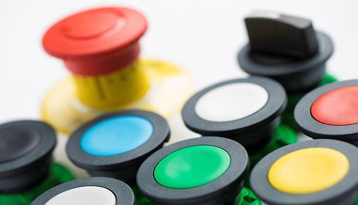 Que es un pulsador con señalizador, Tipos, usos y función