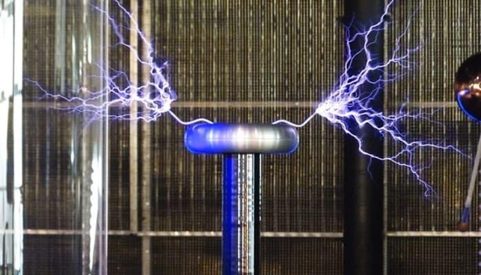Cómo funciona una bobina Tesla