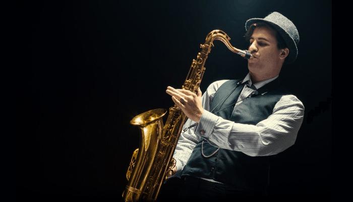 Consejos para aprender a tocar el saxofón